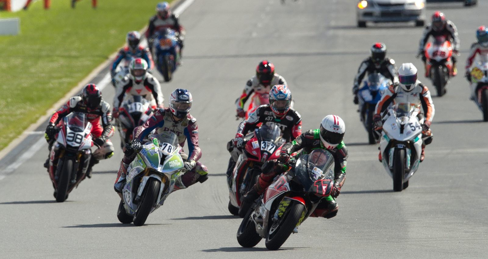Старт 4-й гонки сезона в классе Superbike (Open-1000)