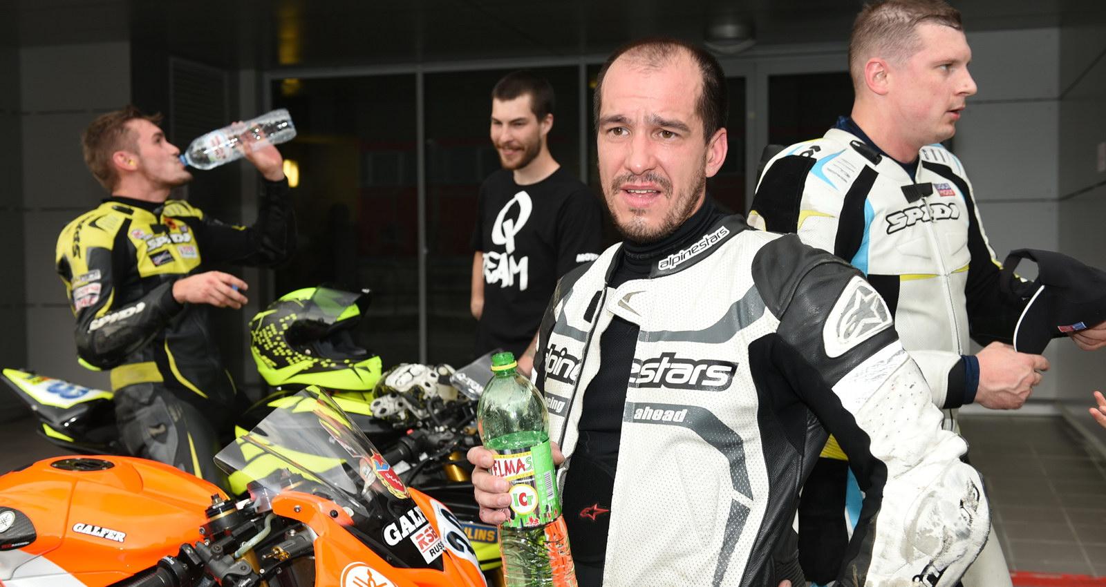 Евгений Семенович восстанавливается после июльской травмы, но удерживает 1-ю позицию в Чемпионате!