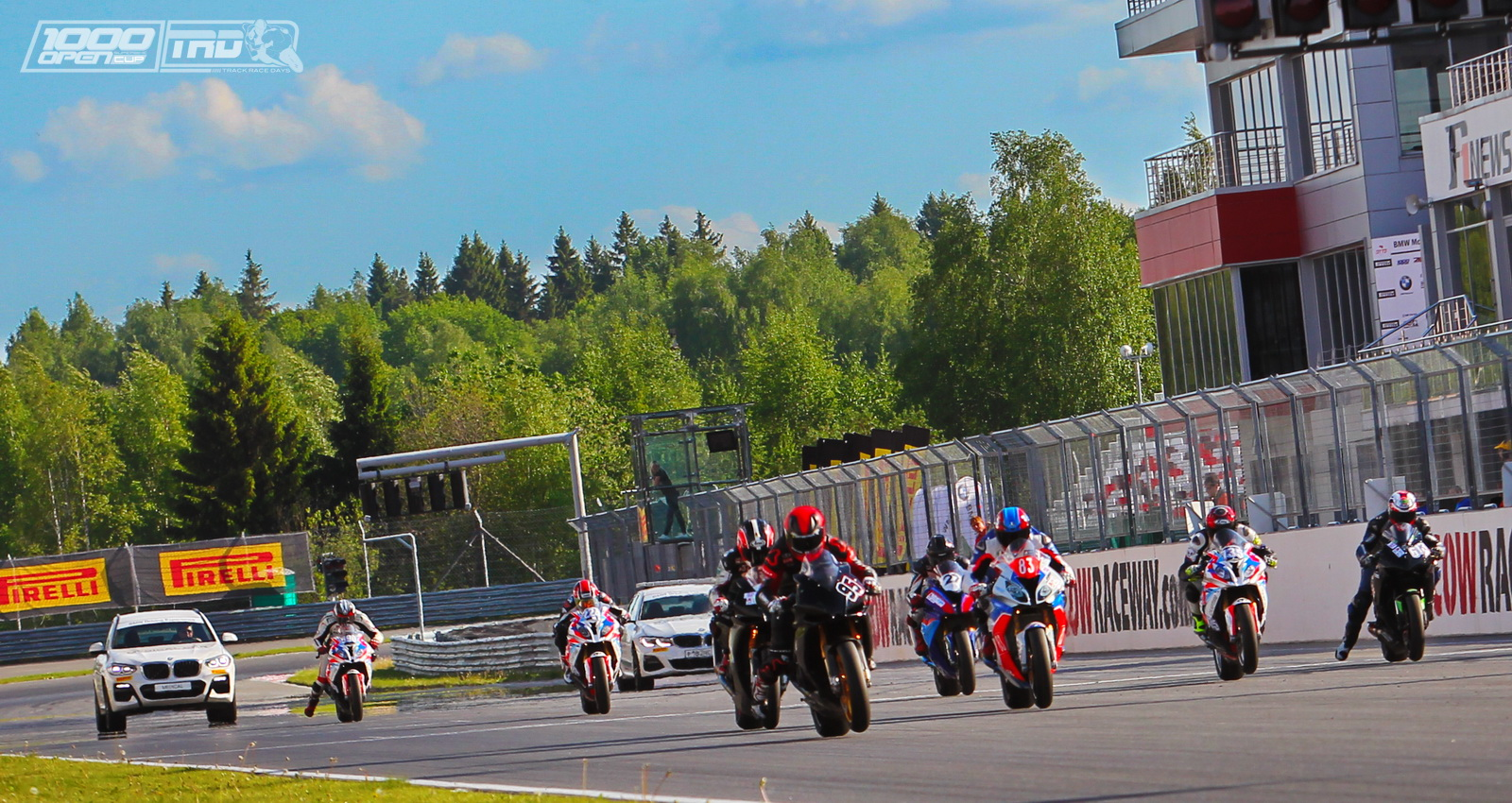 Старт первой гонки TRD Superbike Open1000