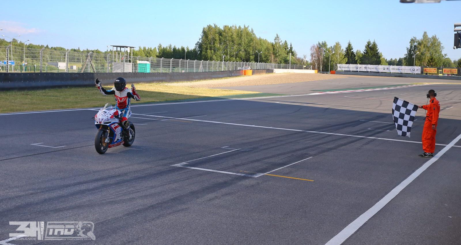 У Саши Павлова кончился бензин перед самым финишем